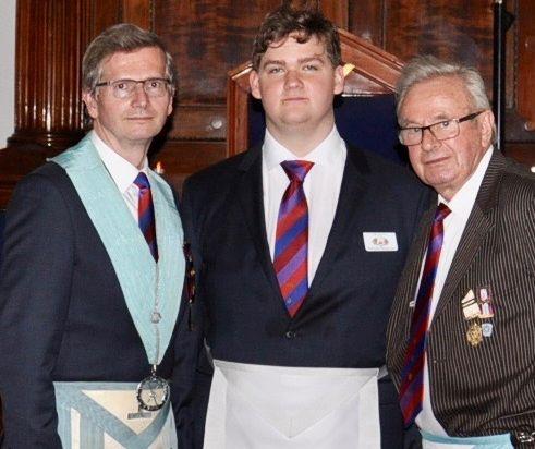 Trzy pokolenia wolnomularzy w jednej loży
