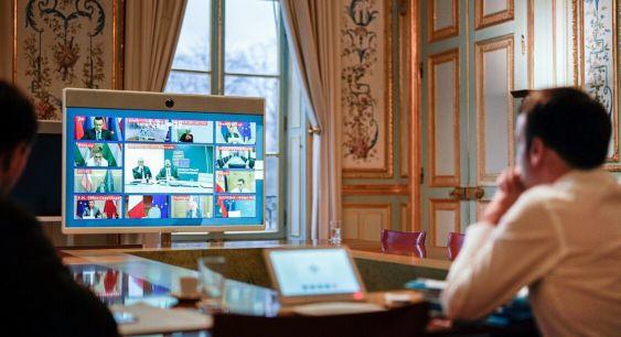 Telekonferencja prezydenta Macrona z wolnomularzami