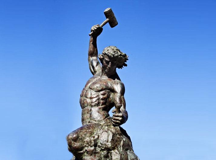 Symbolika ociosywania kamienia